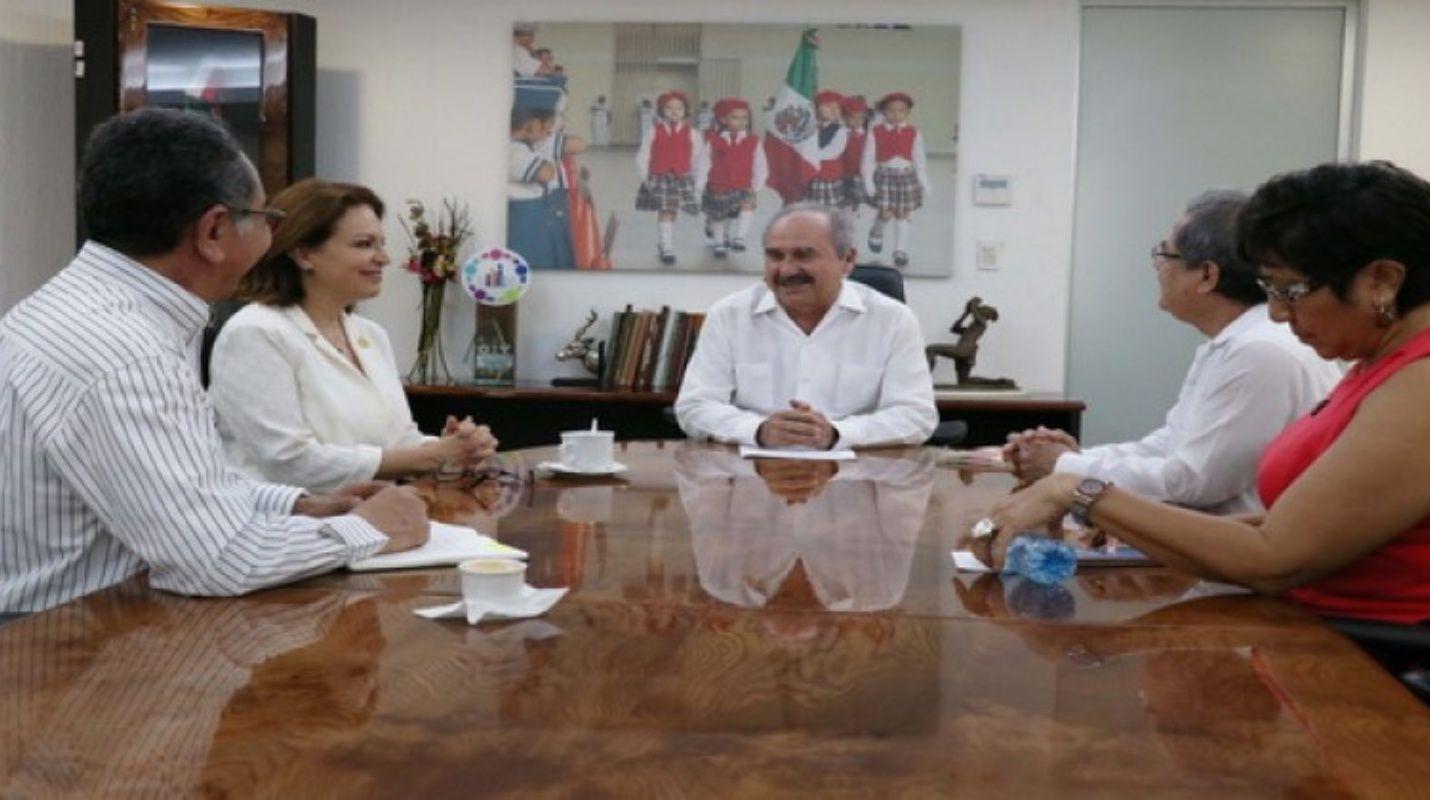 Favoritismo al asignar plazas en prepas #yucatecas