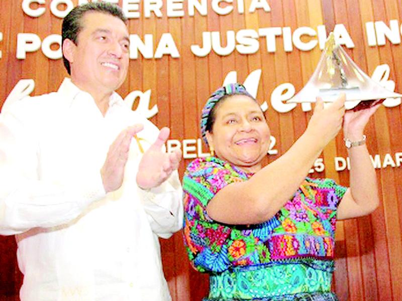 Felicita Menchú a Rutilio Escandón