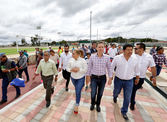 Inauguran obras de infraestructura pública en Comitán de Domínguez