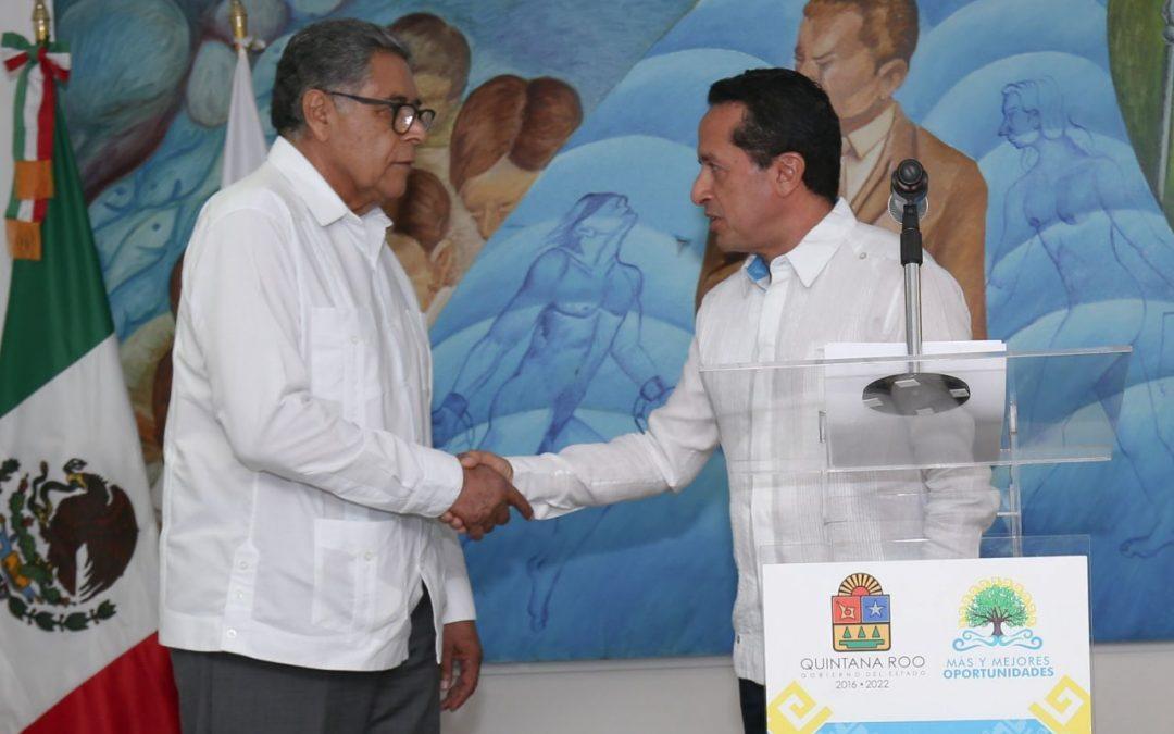 El gobernador Carlos Joaquín designa fiscal general interino a Gustavo Salas Salgado