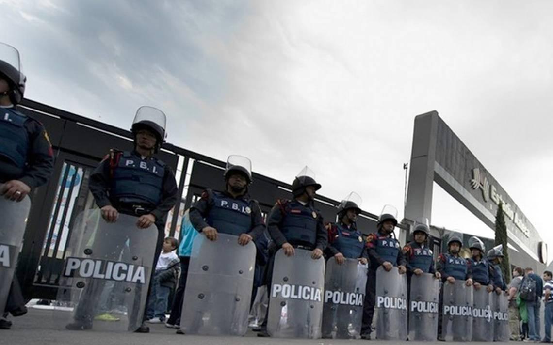 Escudo en el Estadio Azteca