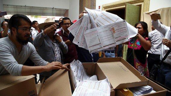 Sigue la disputa PAN-Morena en recuento por Puebla