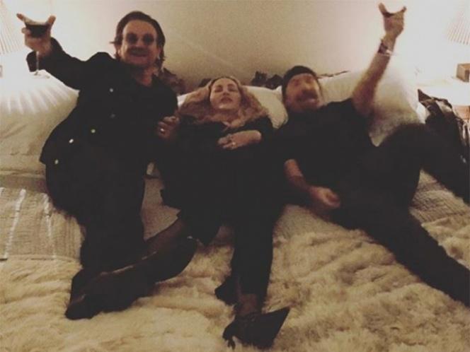 Bono y The Edge, de U2, se llevan a la cama a Madonna