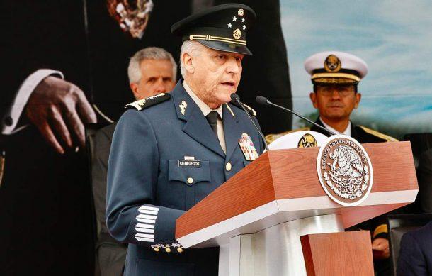 Propone Salvador Cienfuegos legalizar la Amapola