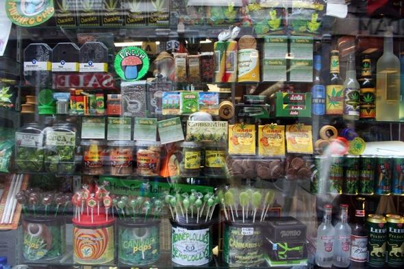 Canadá ya disfruta la legalización de la mariguana