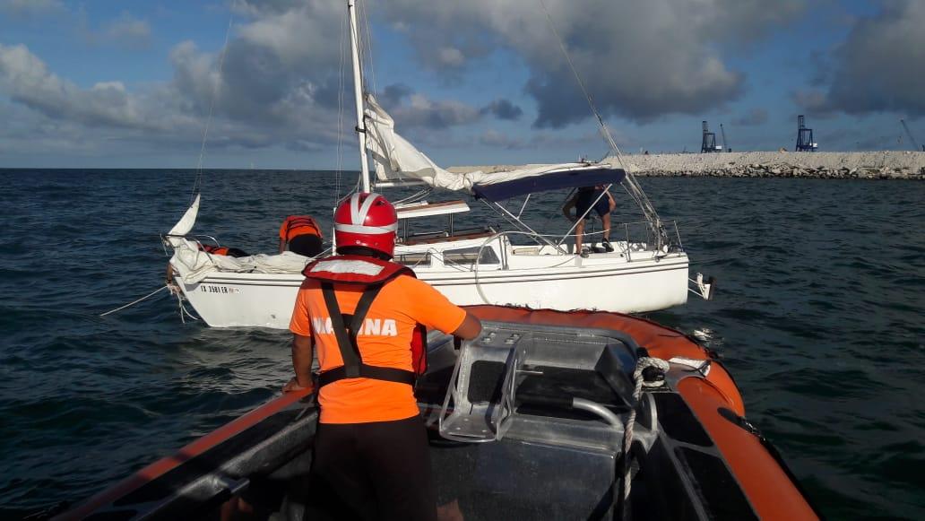 Suspenden búsqueda de pescadores perdidos en costas yucatecas