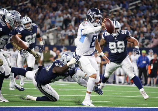 Titanes aplastan a Dallas