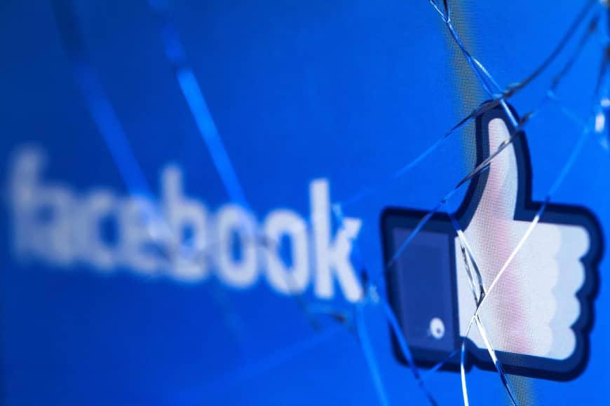 Acepta ejecutivo de Facebook responsabilidad por contratar a Definers