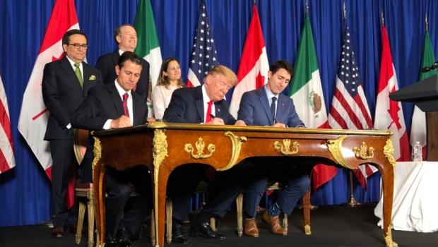 Peña Nieto firma T-MEC