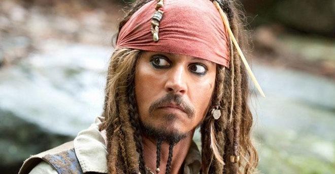 Johnny Depp recortado del nuevo reboot de 'Piratas del Caribe'