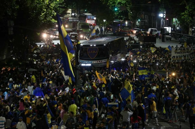 Boca Juniors viaja a Madrid arropado por su gente