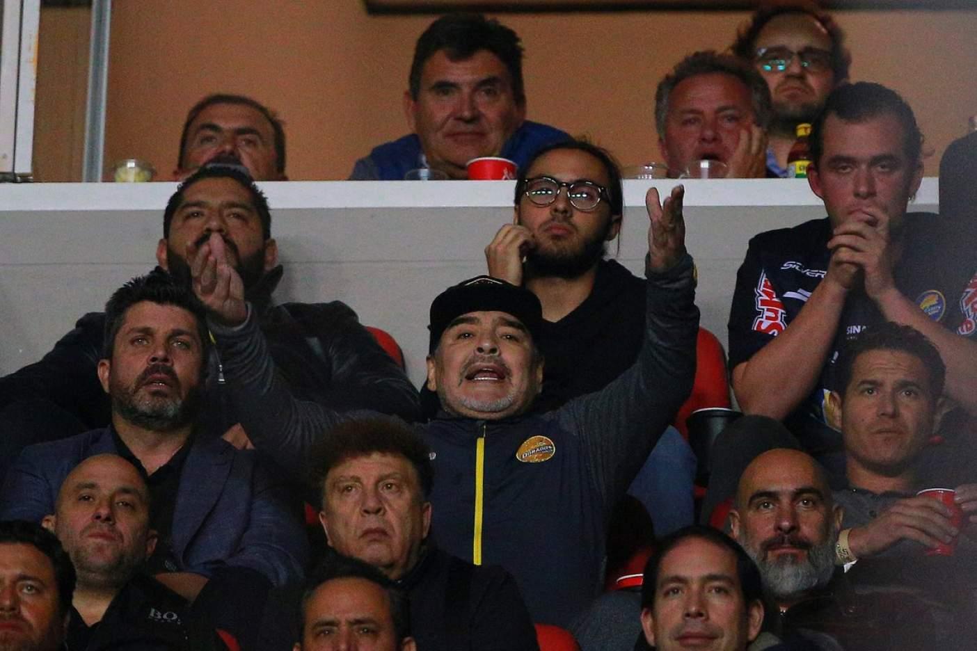 Investigan a Maradona, por altercado en San Luis