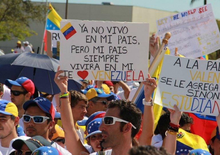 Exiliados llaman a romper relaciones comerciales con Venezuela