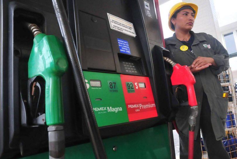 Estima AMLO un incremento de 40 centavos a gasolinas