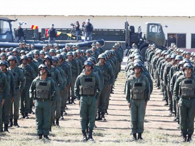 'Estamos esperando a los mercenarios', dice ministro de Venezuela