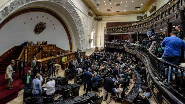 Hallan explosivo en Parlamento de Venezuela