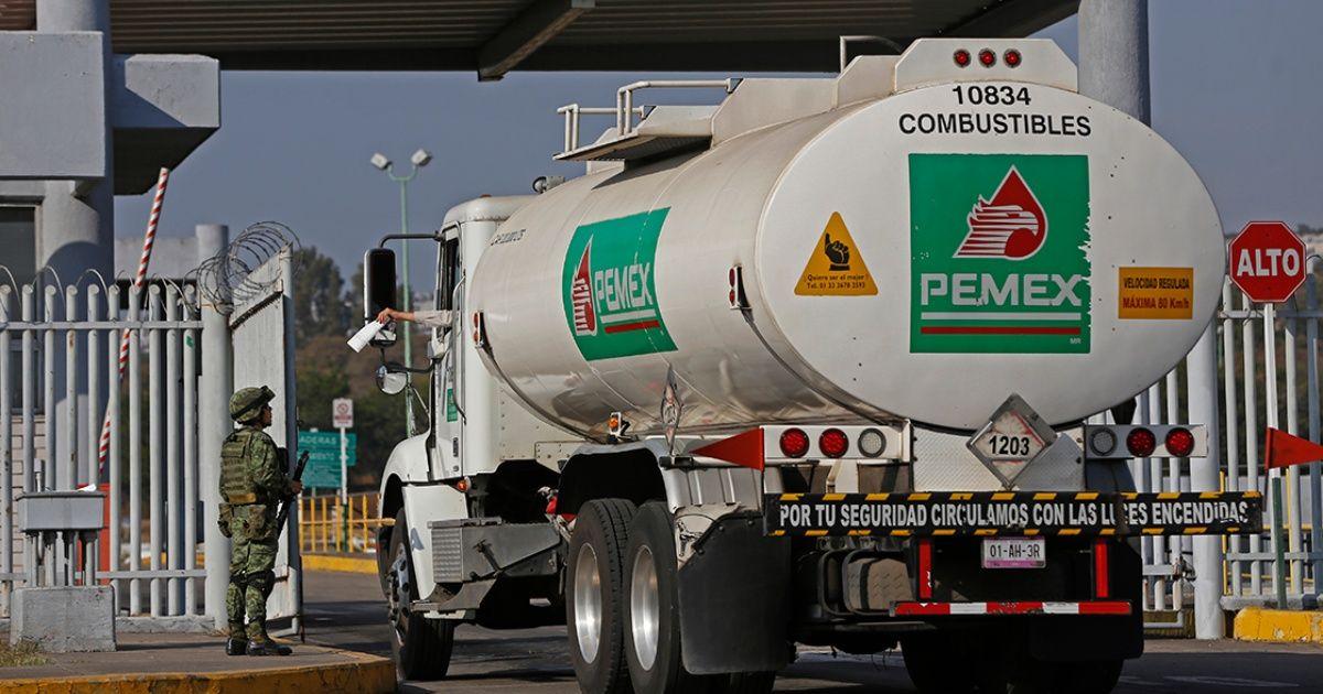 Reporta Pemex 16 millones de barriles en inventarios de combustible