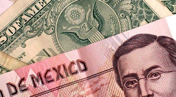 Dólar se cotiza por debajo de los $19 en el AICM