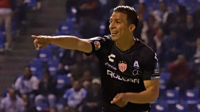 Necaxa  aplasta a el Puebla 4-1