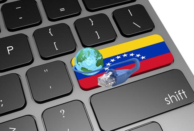 Acusan a Maduro de sabotear web para ayuda humanitaria
