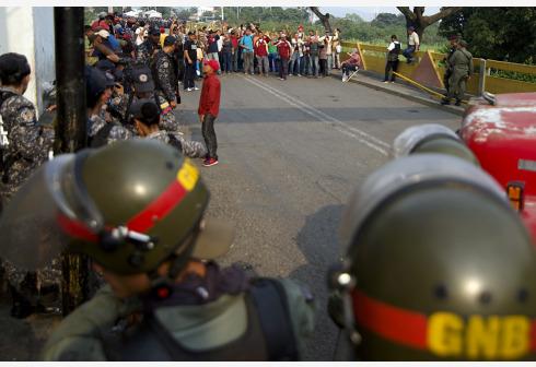Guaidó pone en marcha caravana con ayuda desde Colombia