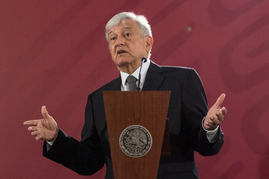 López Obrador va por se quite el fuero también a gobernadores