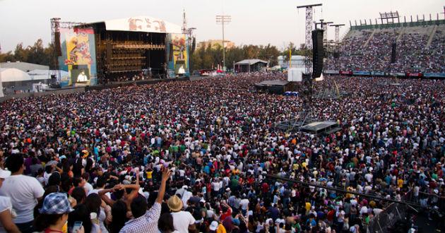 Más de 43 bandas ponen ambiente al último día del Vive Latino