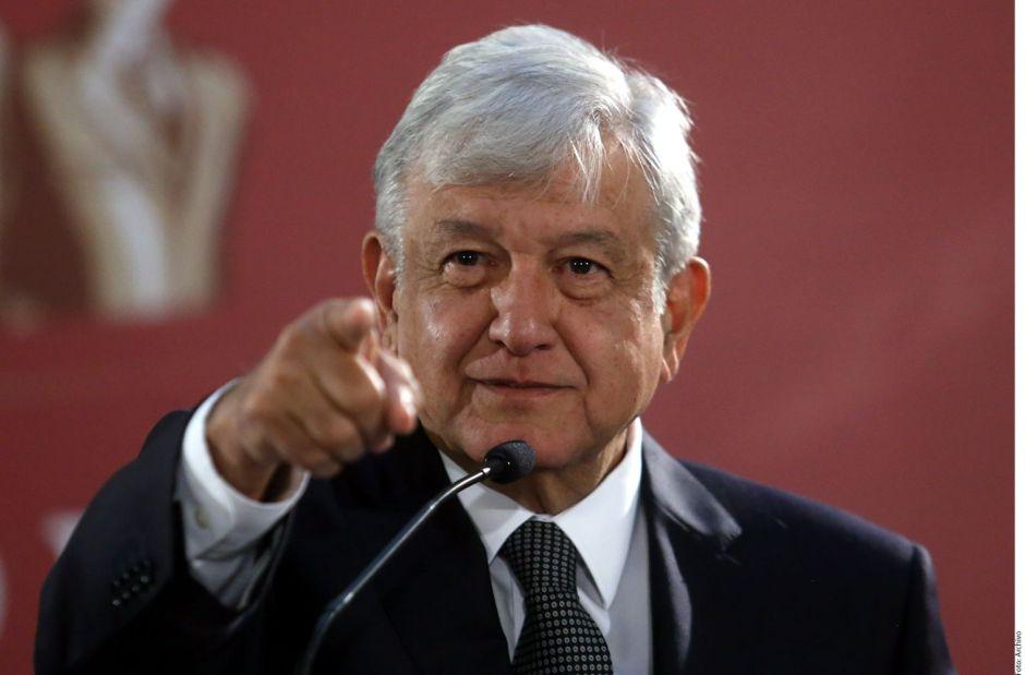 López Obrador ofrece diálogo y mano abierta a maestros