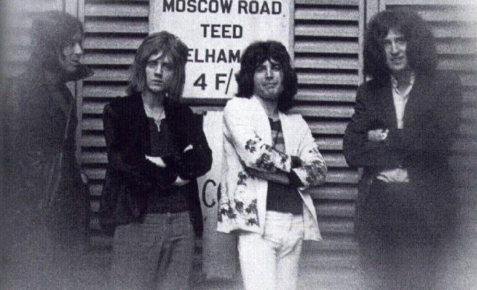 Fallece Mike Grose primer bajista de la banda Queen