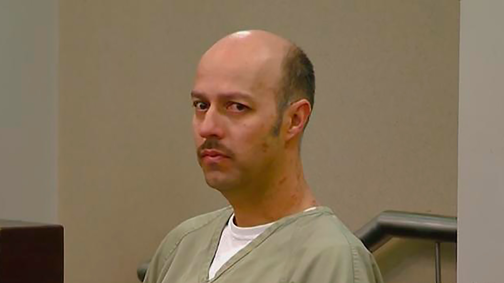 Condenan a Esteban Loaiza a tres años de prisión