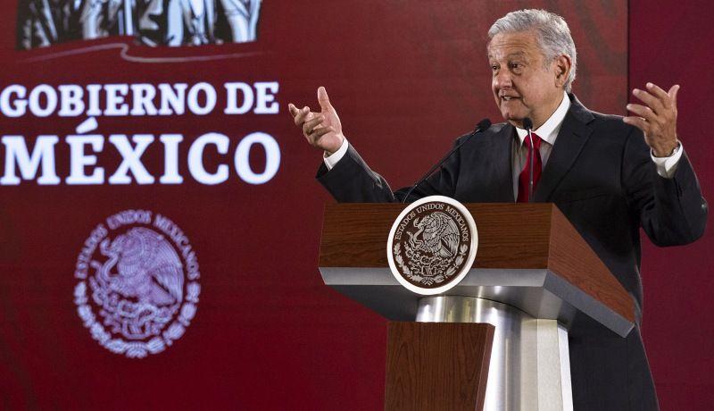Asegura López Obrador que no habrá restitución de tenencia federal