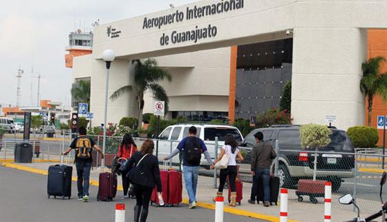 Comando roba 20 mdp en el aeropuerto de Guanajuato
