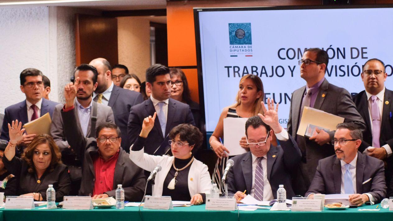Comisión de Diputados aprueba dictamen de reforma laboral