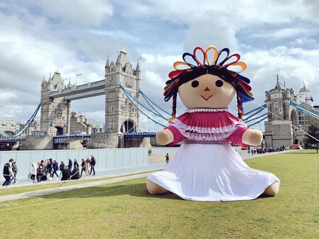 Llega Lele, la muñeca de Amealco a Londres para promover Querétaro