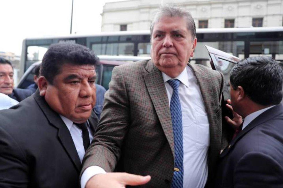 Muere el expresidente peruano Alan García tras darse un tiro