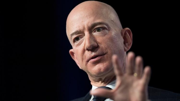 Bezos lanza reto a rivales de Amazon
