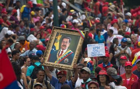 Crecen marchas en Venezuela a favor y en contra de Maduro