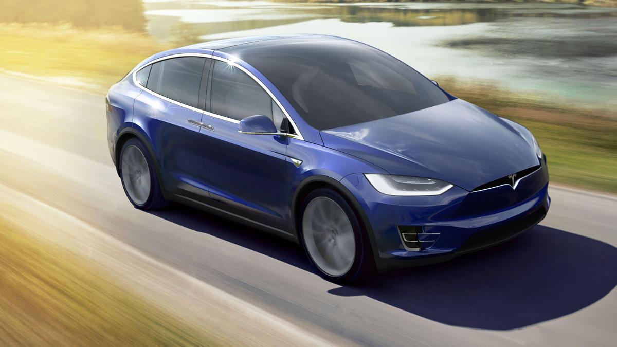 Tesla lanzará su vehículo autónomo