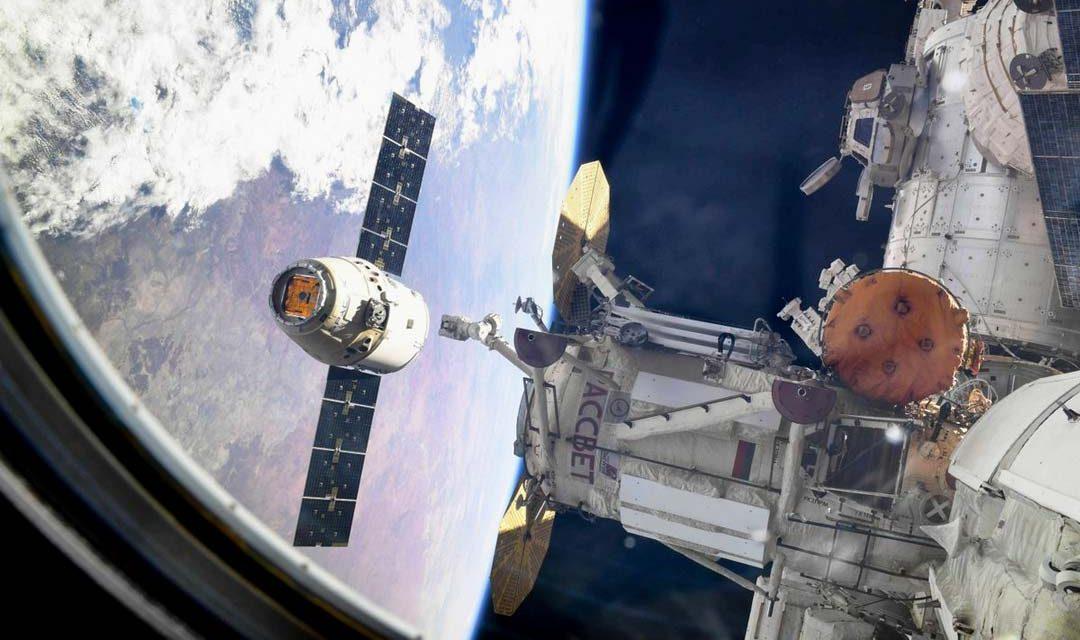 Cápsula de Space X llega a la Estación Espacial Internacional