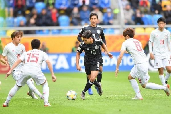 México suma cae ante Japón