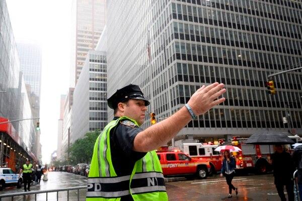 Helicóptero choca contra edificio en NY