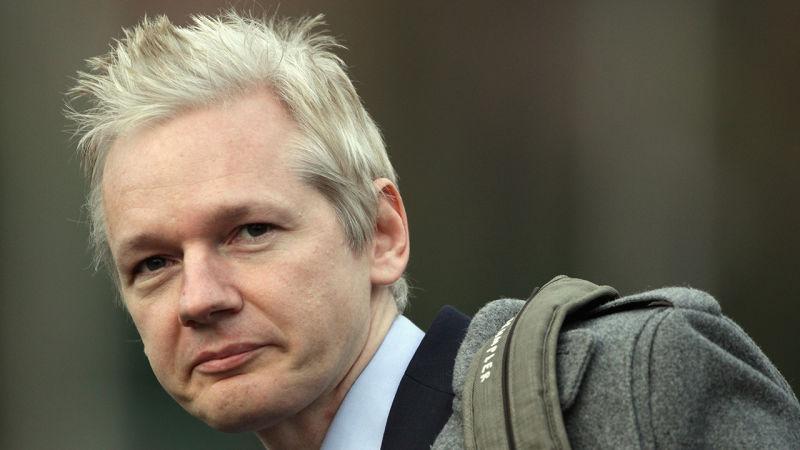 Reino Unido firma orden de extradición de Julian Assange a EU