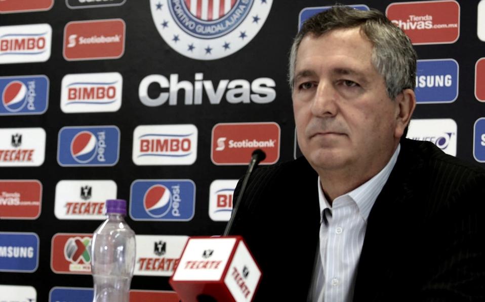 Jorge Vergara anuncia salida de Chivas