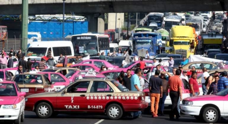 Desquician taxistas a CDMX