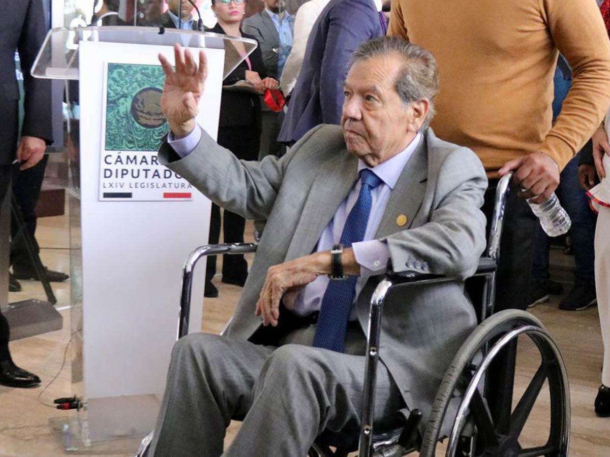 Muñoz Ledo informa que se someterá a cirugía