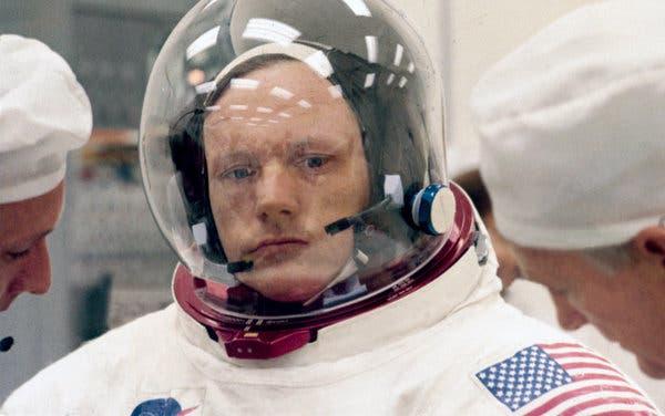 Hubo negligencia en muerte de Neil Armstrong