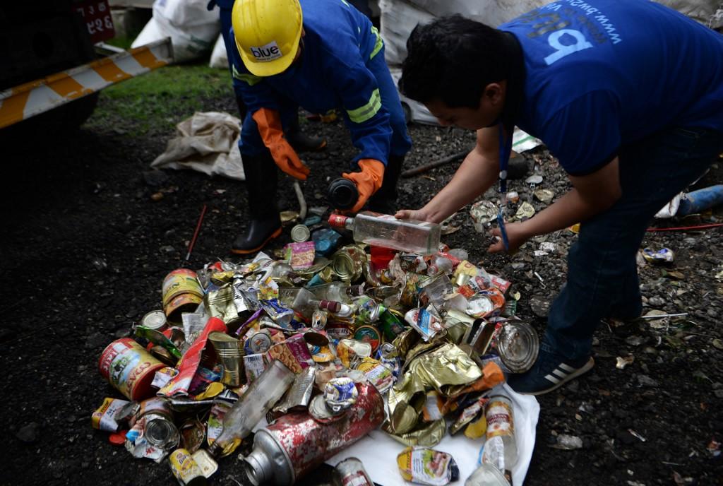 Prohíben subir al Everest con plásticos de un solo uso