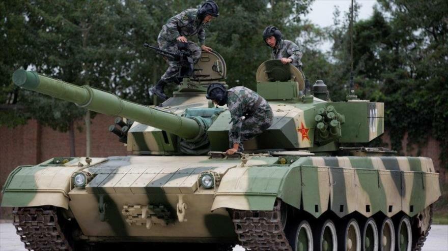 Tropas chinas avanzan hacia Hong Kong