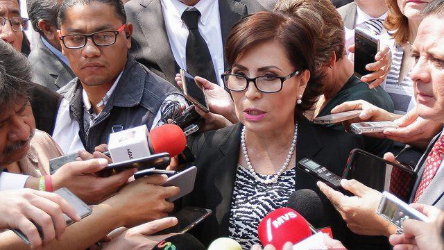 Rosario Robles consigue suspensión contra orden de aprehensión