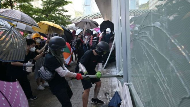 Manifestantes rechazan dialogo con gobierno de Hong Kong